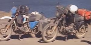 bepakte motors op reis
